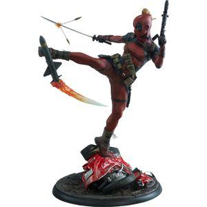 [Lady Deadpool: Premium Format Figure (Product Image)]