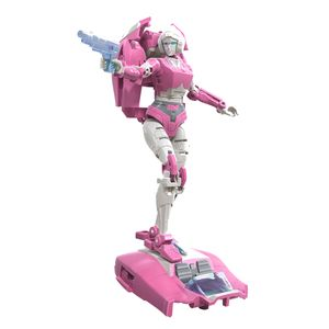 [Transformers: Generations: War For Cybertron: Deluxe Action Figure: Arcee (Product Image)]