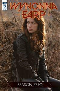 [Wynonna Earp: Season Zero #5 (Cover B Photo) (Product Image)]