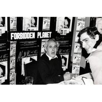 [Ralph Steadman signing Paranoids (Product Image)]