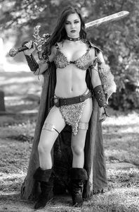 [Red Sonja: The Superpowers #3 (Cosplay black & White Premium Bonus Virgin Variant) (Product Image)]