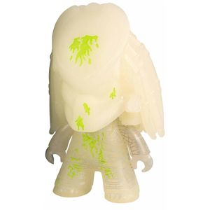 [Predator: TITANS Vinyl Figure: Glow In the Dark Predator (SDCC) (Product Image)]