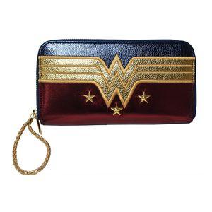 [Wonder Woman: Purse: Shield (Product Image)]